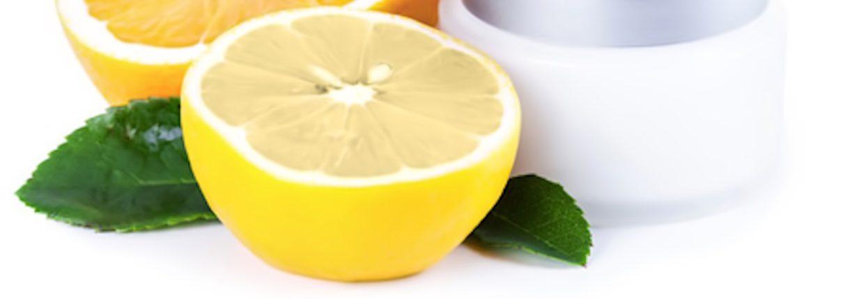 Βιταμίνη C: απαραίτητη για την καθημερινή μας καλοκαιρινή φροντίδα